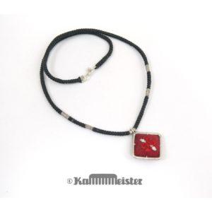 Makramee Kette – schwarz – Hill Tribe Silber – Seide bestickt – 38,5 cm lang