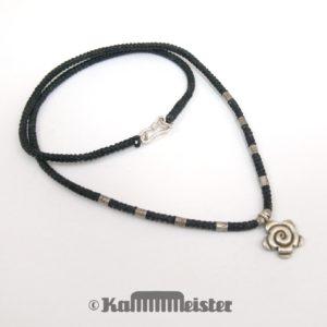 Makramee Kette - schwarz - Hill Tribe Silber - Blüte - 45 cm lang