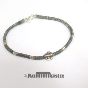 Makramee Armband - silbergrau - Spirale Scheibe - Silber - Hakenverschluss