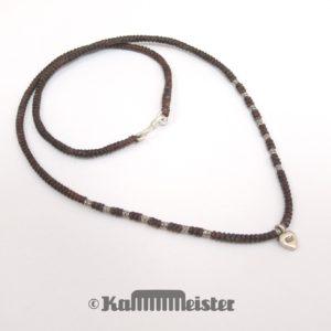 Makramee Kette - braun - Hill Tribe Silber - Herz - 49,5 cm lang