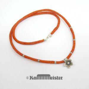 Makramee Kette - orange - Hill Tribe Silber - Barren mit Blüte - 40 cm lang